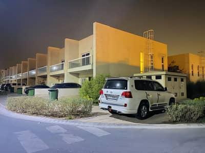 فیلا 3 غرف نوم للبيع في المدينة العالمية، دبي - فیلا في قرية ورسان المدينة العالمية 3 غرف 1280000 درهم - 4844136
