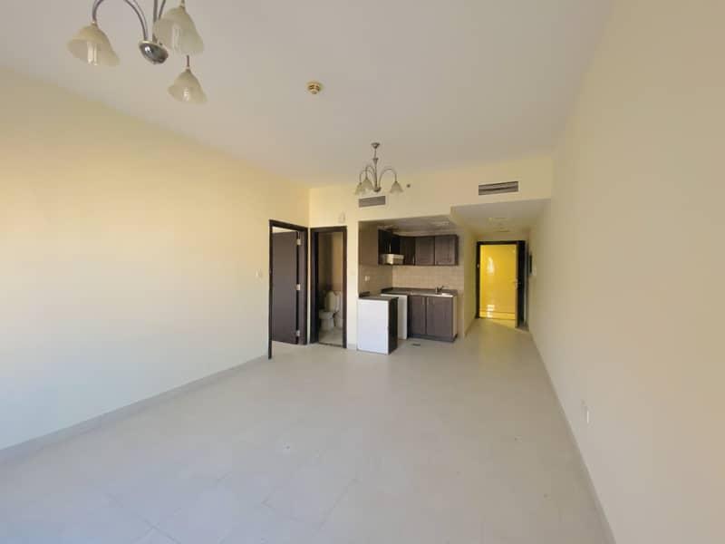 شقة في برايم ريزيدنس 2 برايم ريزيدينس الحي الإسباني المدينة العالمية 1 غرف 315000 درهم - 4844142