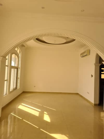 4 bed rooms hall 2 story nice fully renovated  villa for rent in Al Warqaa 3