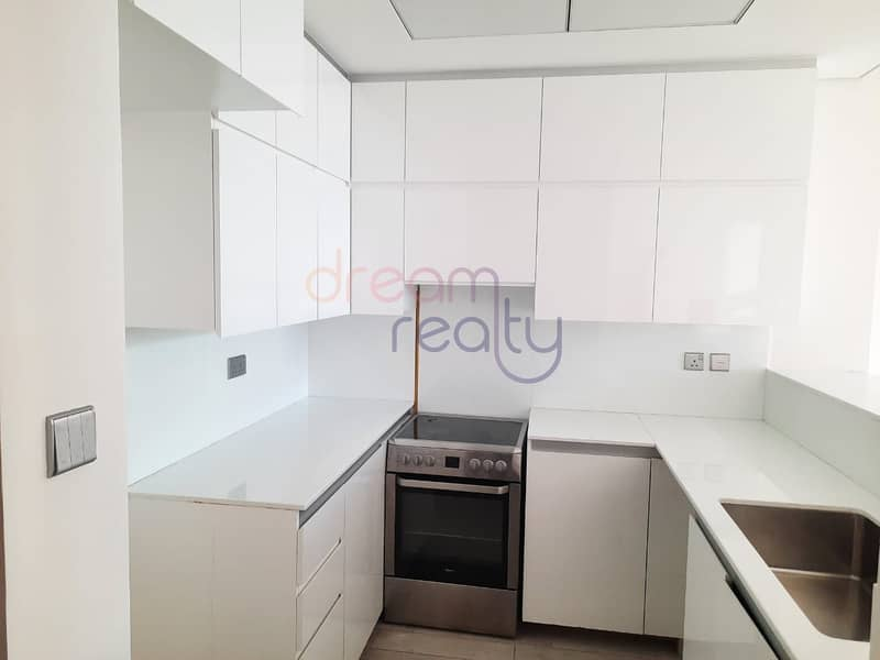 2 Specious Two Bhk| Burj Khalifa View |maid Room