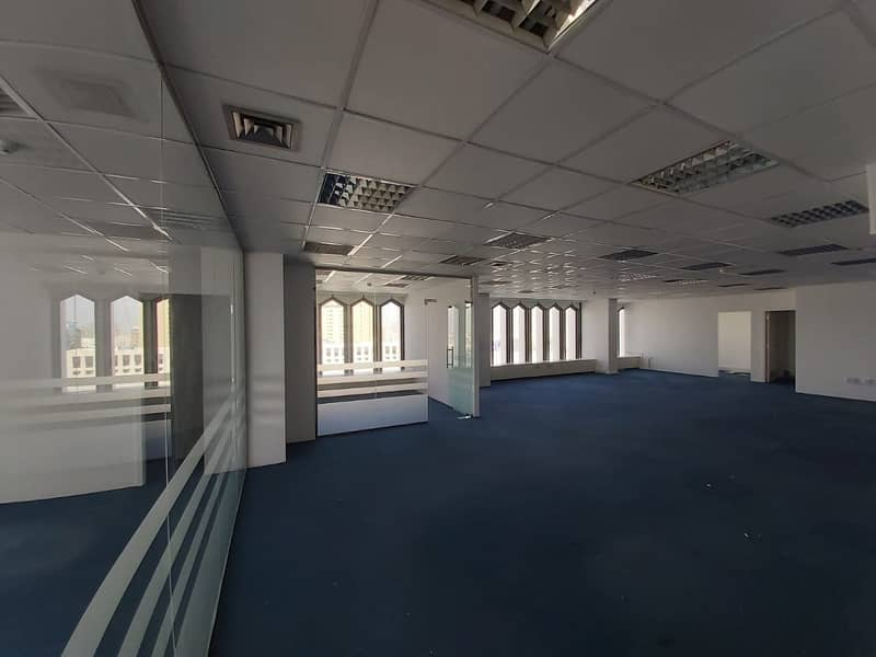 Nicely Fully fitted office 900 Sqft near to 'union' Metro station for 54K