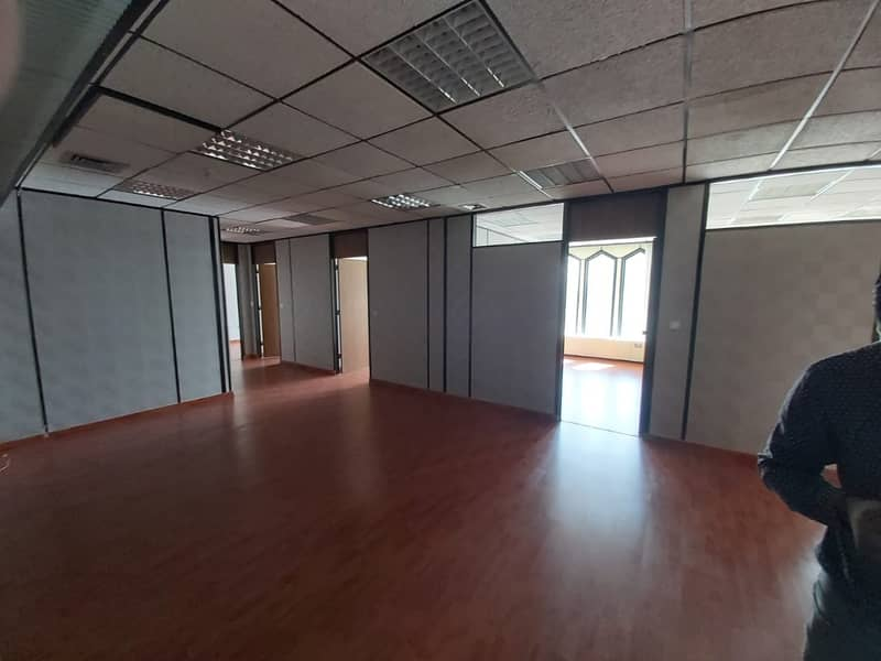Big Office 1603 Sqft for 60 AED p.sqft Chiller Free Near 'union' Metro Sea Face Building
