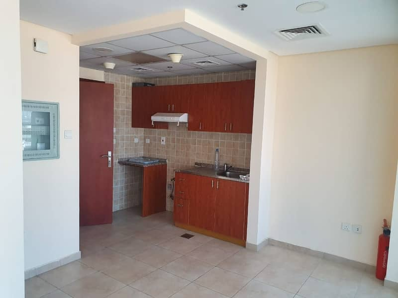 2 studio! with balcony!  for rent in 28k