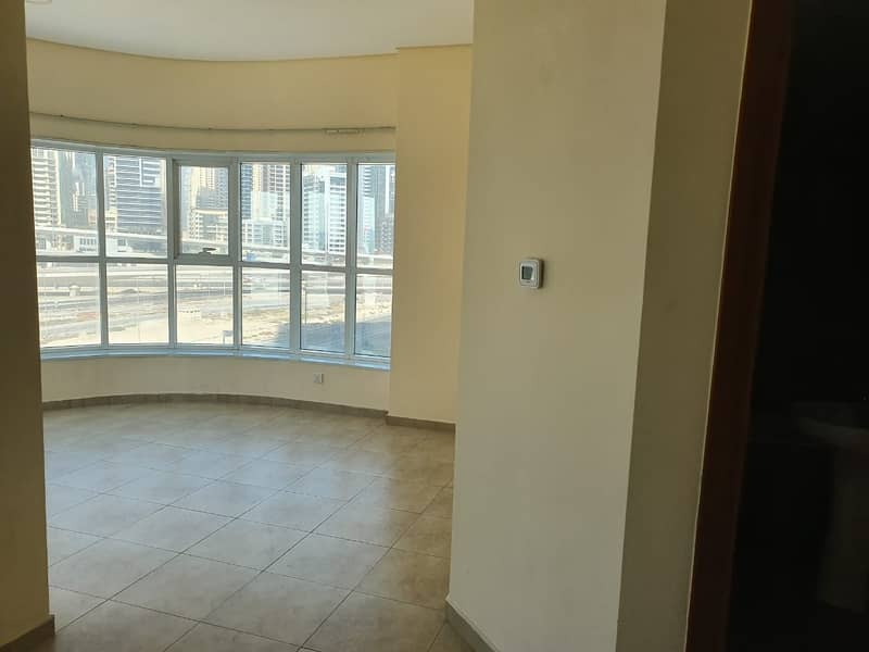 studio! with balcony!  for rent in 28k