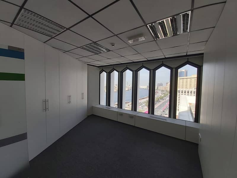 17 705 sqft Fully Fitted office Chiller Free for 60AED per SQFT Near 'union' Metro Station