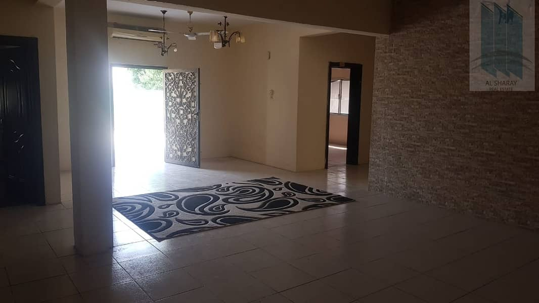 2 Single story villa with spacious yard for sale