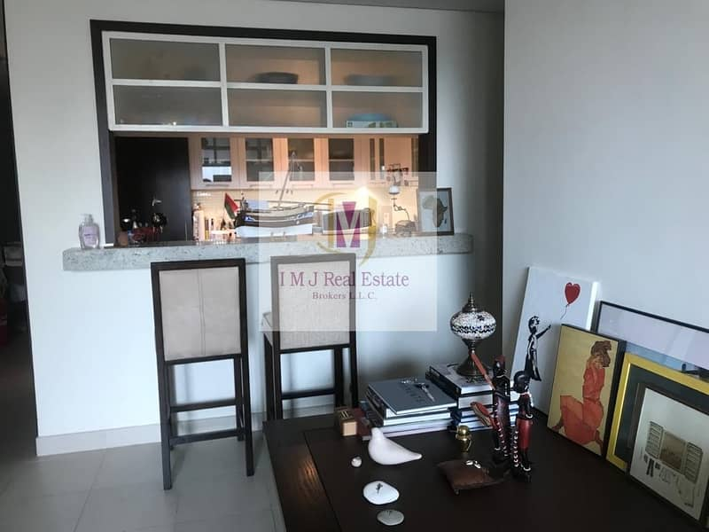2 1BR / Vacant / Upgraded Apartment /Negotiable