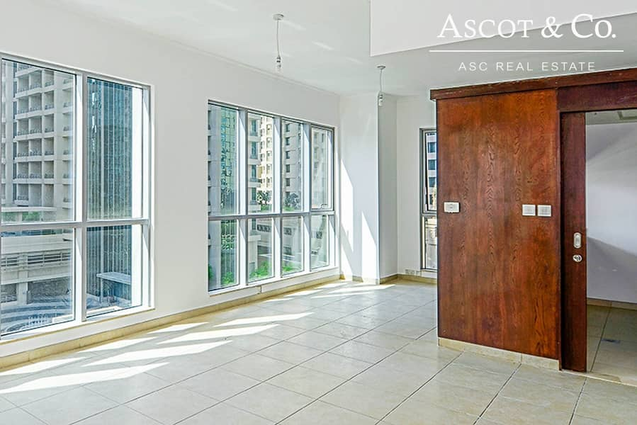 2 High Floor | 1 Bedroom | Well Maintained