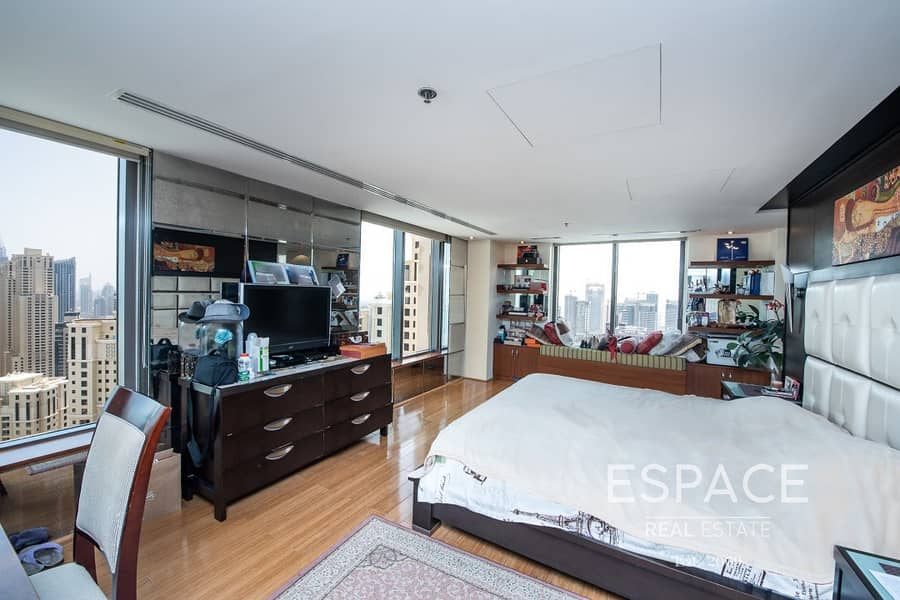 12 Amazing Duplex Loft with Partial Sea View