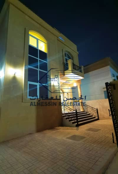 5 Bedroom Villa for Rent in Al Mowaihat, Ajman - A stone villa, finishing super delux, masterpiece and original architecture, with a large area and a great price.
