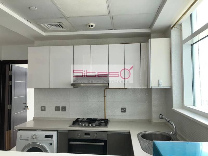 2 2 Bedrooms/Kitchen appliances/ Garden view/Glitz 3