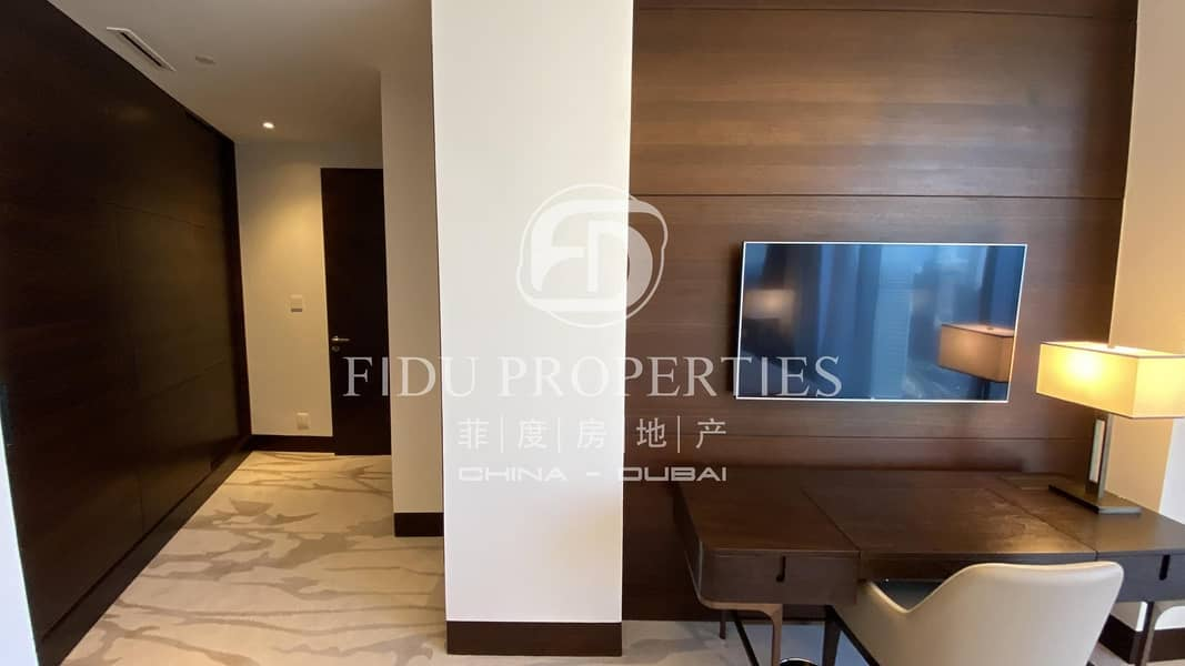 25 Sea View |Closed Kitchen |Higher Floor | Brand New