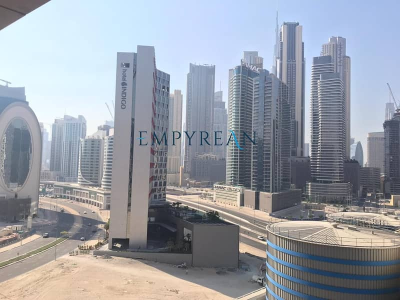 9 BURJ VIEW REDUCED Price Large Beautifully Fully Furnished 2 Bed in The Vogue Full Lake View