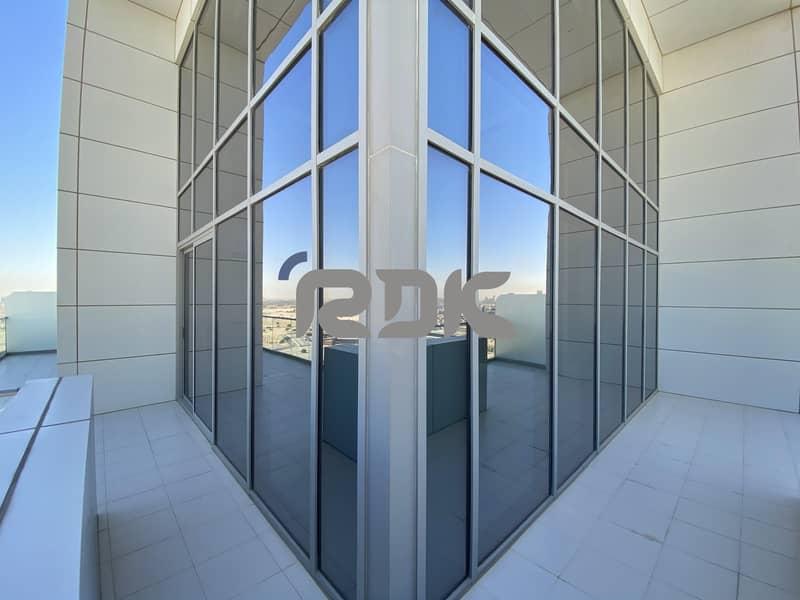 Luxurious 2BR Penthouse - Dubai Skyline View