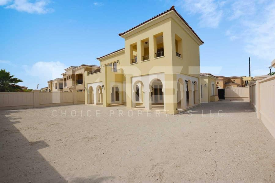 2 Luxurious Townhouse in a Prestigious Site.