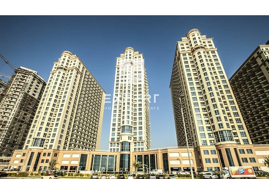 Well Maintained Spacious Studio apartment w/ Balcony