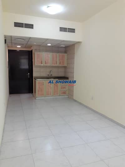 Studio for Rent in Deira, Dubai - Spacious Studio Near Jesco Supermarket Al Baraha Deira