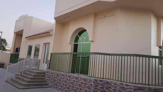 فیلا 3 غرف نوم للايجار في ضاحية حلوان، الشارقة - فیلا في ضاحية حلوان 3 غرف 80000 درهم - 4847411