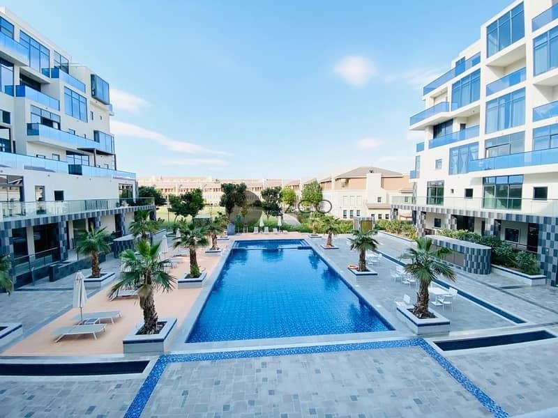 2 Pool View 2Bed | Separate Store and Laundry