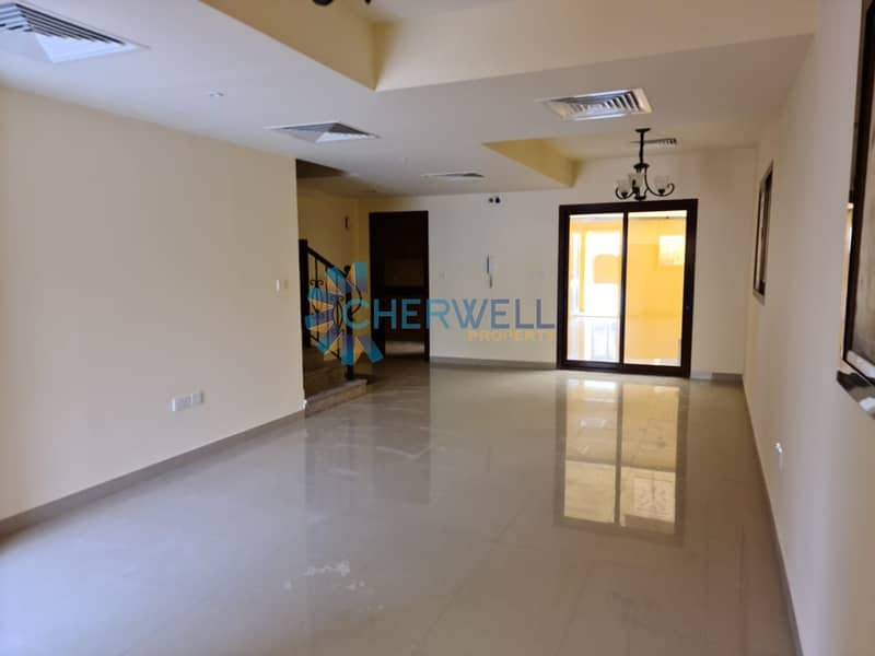 Elegant And Luxurious Villa | Vacant | Well Maintained