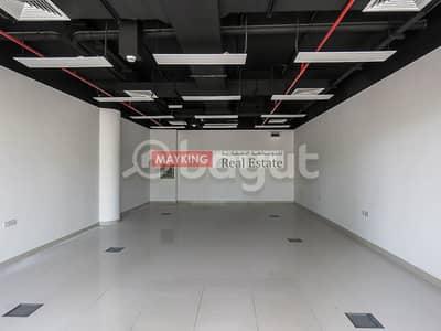 محل تجاري  للايجار في الخليج التجاري، دبي - Fitted Retail Shop in Ubora Tower