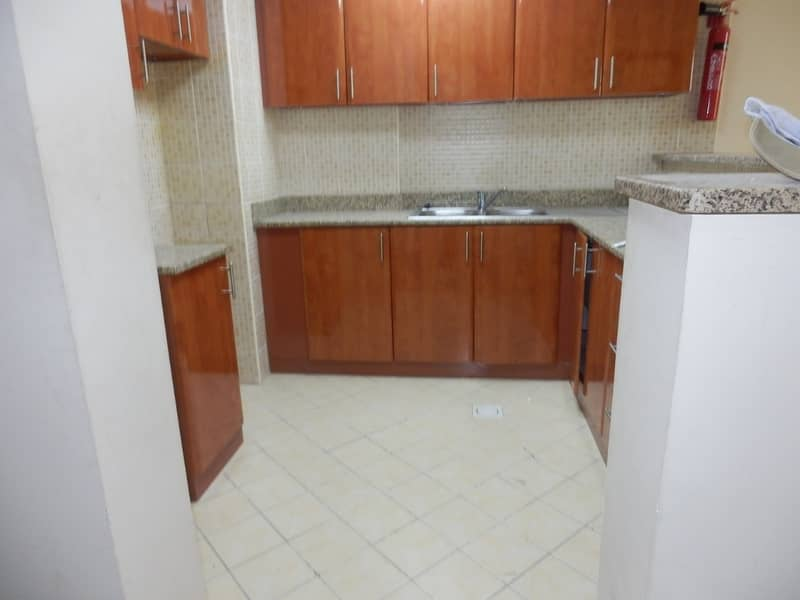 2 VACANT ONE BHK IN EMIRATES CLUSTER WITH BALCONY JUST IN 320k