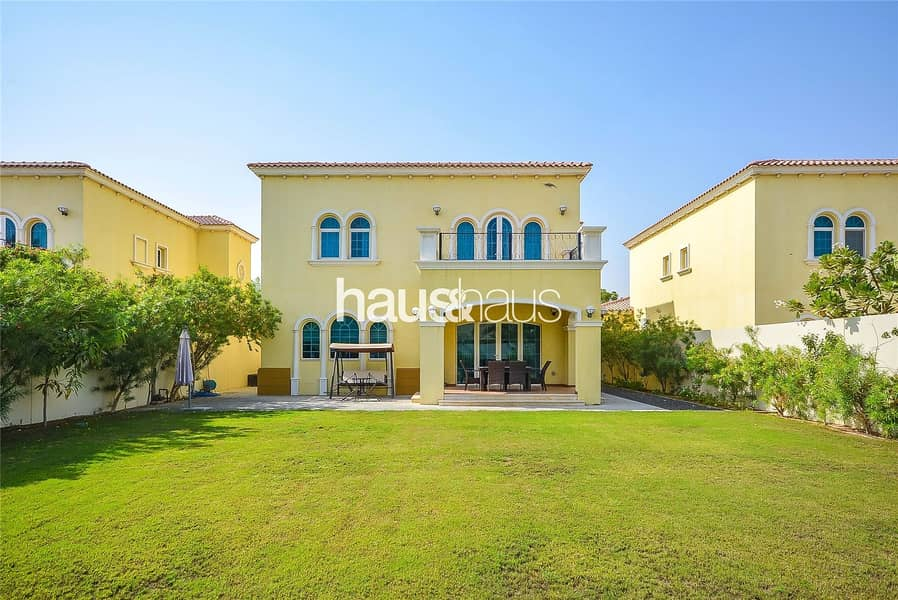 Landscaped   Quiet Location   Available January