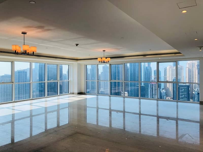 High floor with panoramic view of dubai marina