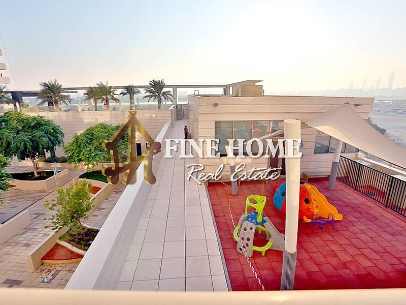 Sea View | Luxurious 3BR w/ Maids + Balcony