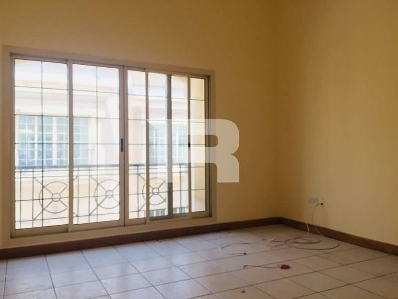 2 Large 2 BR Villa w/ Amenities in Mirdiff