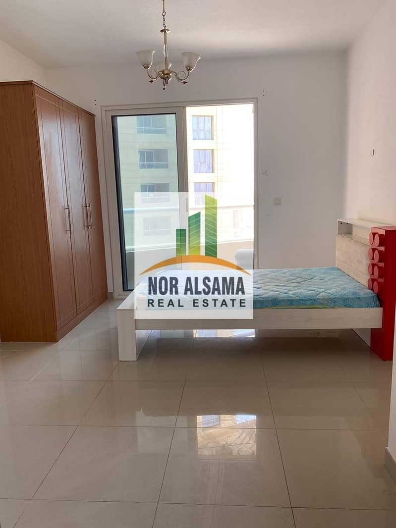 2 Semi Furnished!! Unfurnished!! Studios in lakeside tower  mid floor just 16000