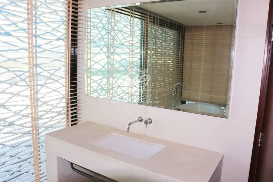 10 Luxurious Villa in Al Qurm   Perfectly Splendid Property  