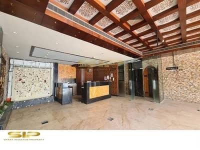 Shop for Rent in Al Garhoud, Dubai - Restaurant Available for Rent on Excellent location in Al Garhoud