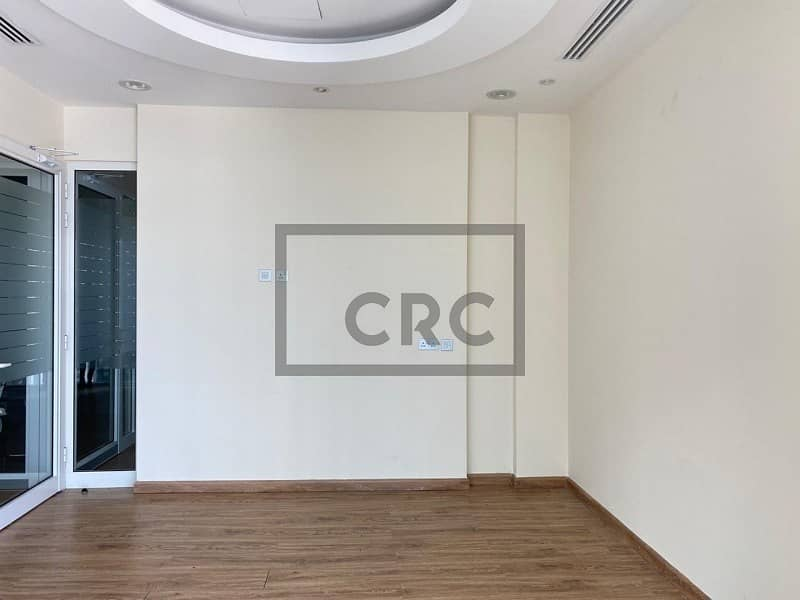 2 Fitted Multiple Cabins Reception  High floor