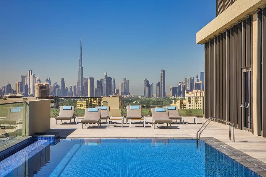 10 Swimming Pool overlooking Skyline