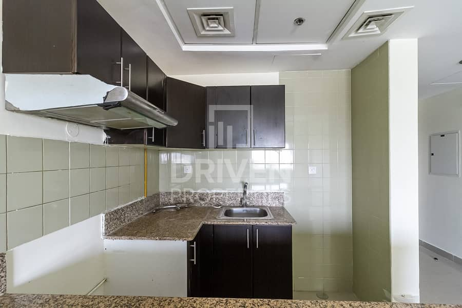 17 Amazing View | Nice Layout | Spacious 1BR