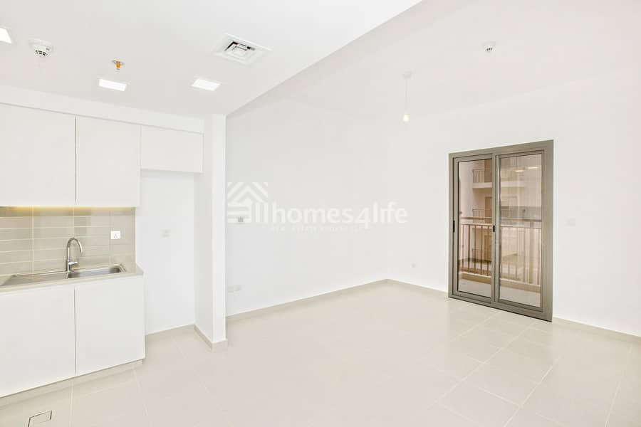 10 Call Now   Bright and spacious Brand New Apartment