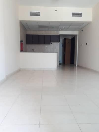 استوديو  للايجار في النهدة، الشارقة - Deal of the day spacious studio apartment rent only 17k
