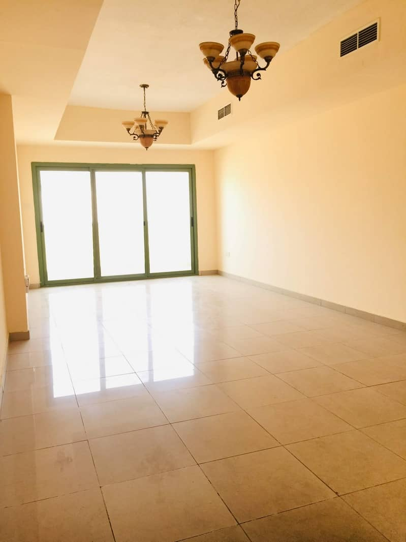 1 Month Free :: Luxury 2bhk with Balcony 2 full washroom in family building easygoing to dubai just 35k