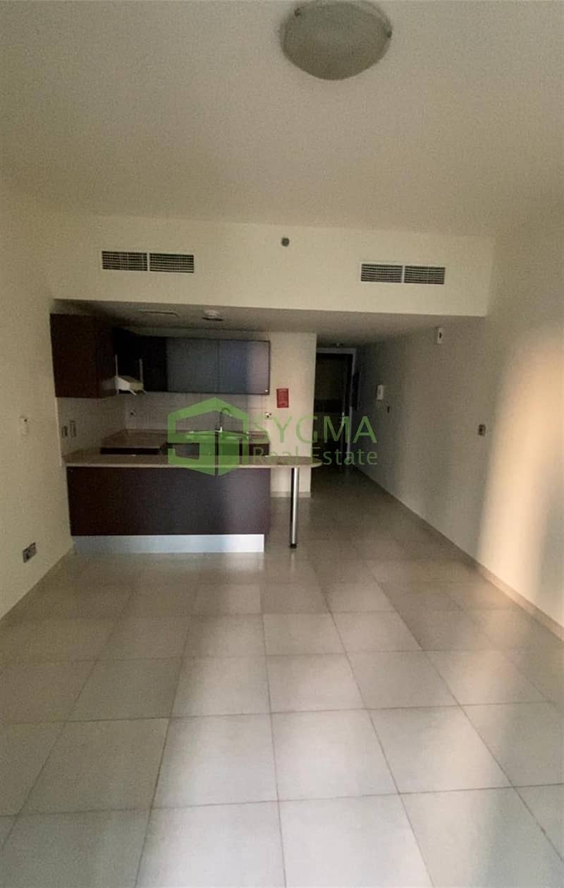 2 Full Lake View Vacant with Balcony