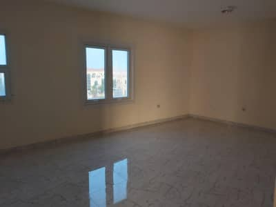 5 Bedroom Villa for Sale in Khalifa City A, Abu Dhabi - Commercial Villa For Sale|Main Road|Ideal Location