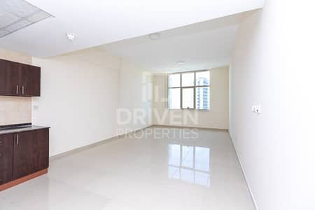 Studio for Rent in Dubai Sports City, Dubai - Elegant and Well-maintained