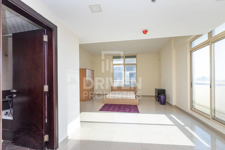 2 Well-managed Studio Apartment w/ Balcony