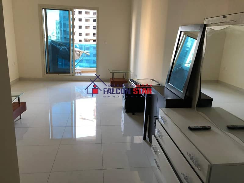 8 Unfurnished With White Goods  Ready To Move In  12 Chqs Option