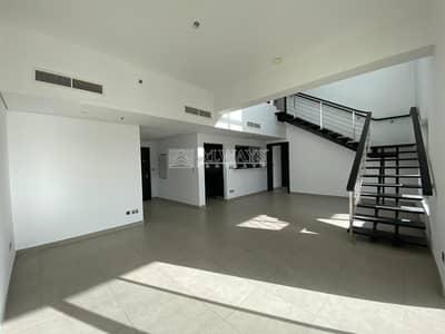 فلیٹ 3 غرف نوم للايجار في تلال الجميرا، دبي - Luxury stunning Upgraded duplex 3BR+maid Apartment
