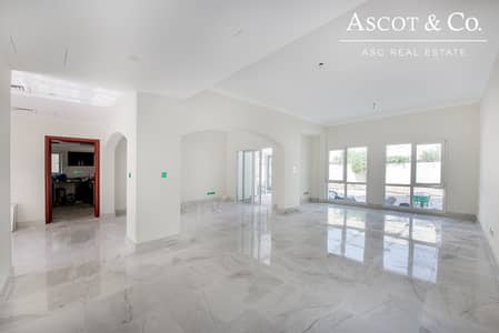 5 Bedroom Villa for Rent in The Meadows, Dubai - | Upgraded | Extended | Available Now  |