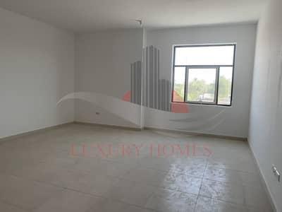 فلیٹ 3 غرف نوم للايجار في عشارج، العین - Luxury brand new Apt with clear white interior