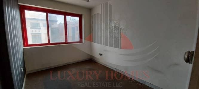 شقة 3 غرف نوم للايجار في سنترال ديستركت، العین - Structurally Sound with Classic Interiors