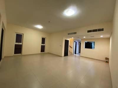 فیلا 3 غرف نوم للايجار في المدينة العالمية، دبي - فیلا في قرية ورسان المدينة العالمية 3 غرف 70000 درهم - 4848379