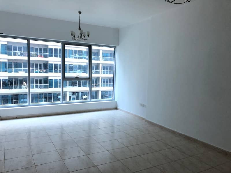 One Bed Room For Rent in Sky Court Tower Higher Floor ( Swimming Pool View)